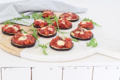Aubergine mini pizza hapjes
