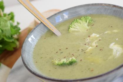 Broccolisoep met bleekselderij