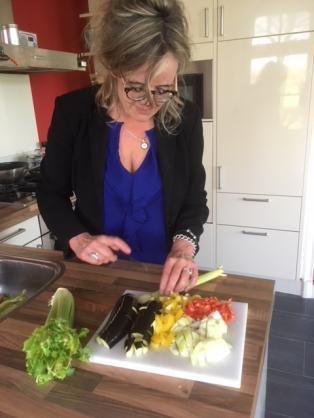 Aubergine ratatouille met kikkererwtenpasta