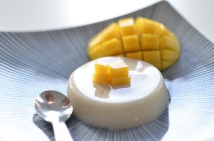 Vegan Kerstrecept: Panna cotta met mango