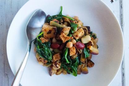 Tofu met aubergine en spinazie