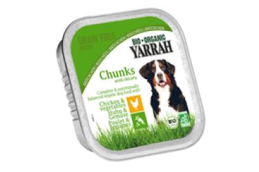 Biologische Brokjes Kip met Groente voor honden Voordeelverpakking (Yarrah, 12 x 150 gram)